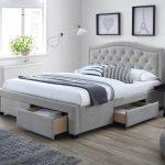 Łóżko z wygodnym materacem a zdrowy i spokojny sen