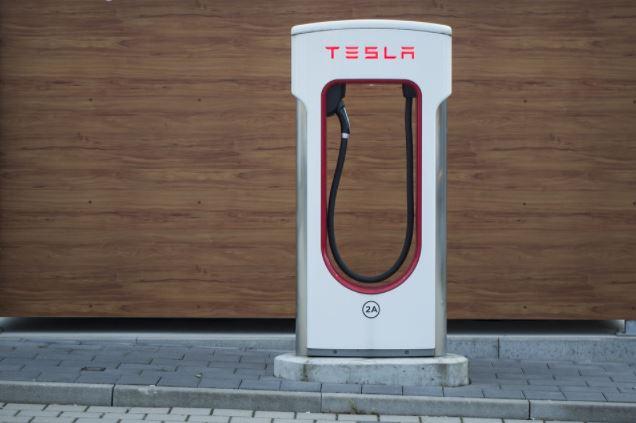 stacja-ladowania-samochodow-elektrycznych